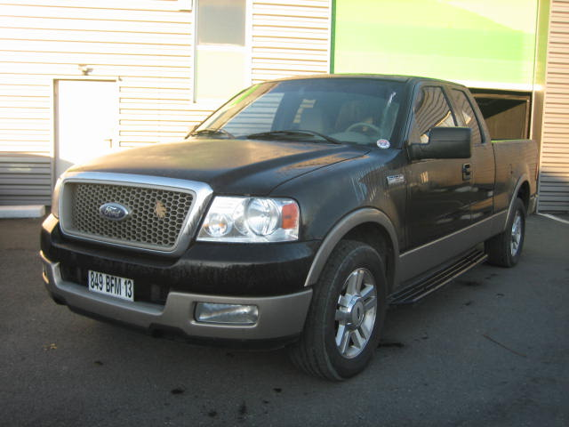 FORD F-150 LARIAT PICKUP