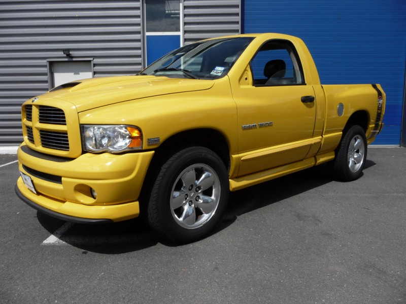 DODGE PICKUP RAM 1500 RUMBLE BEE 4X4