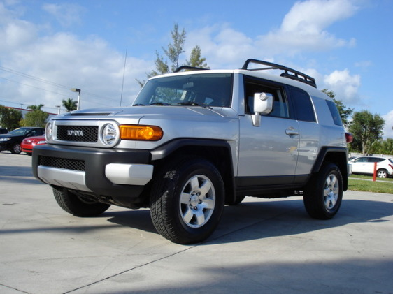occasion toyota fj cruiser 4x4 pictures. Black Bedroom Furniture Sets. Home Design Ideas