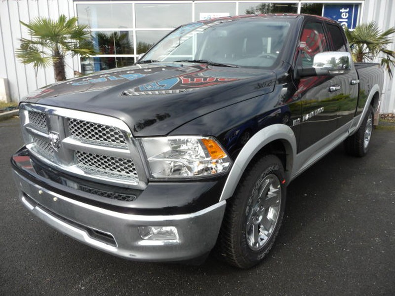 DODGE PICKUP RAM 1500 QUAD LARAMIE