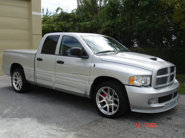 DODGE PICKUP RAM 1500 SRT 10