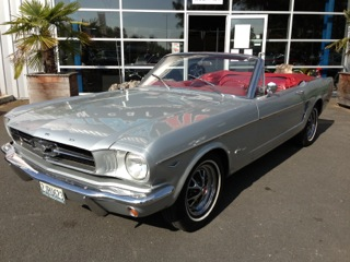 FORD MUSTANG V8 CAB