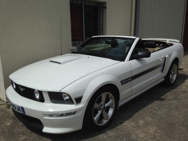 FORD MUSTANG GT-CS CABRIO