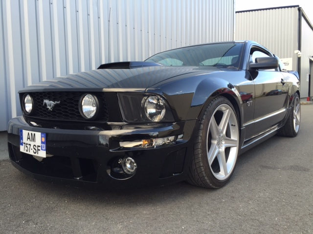 FORD MUSTANG GT LOOK ROUSH