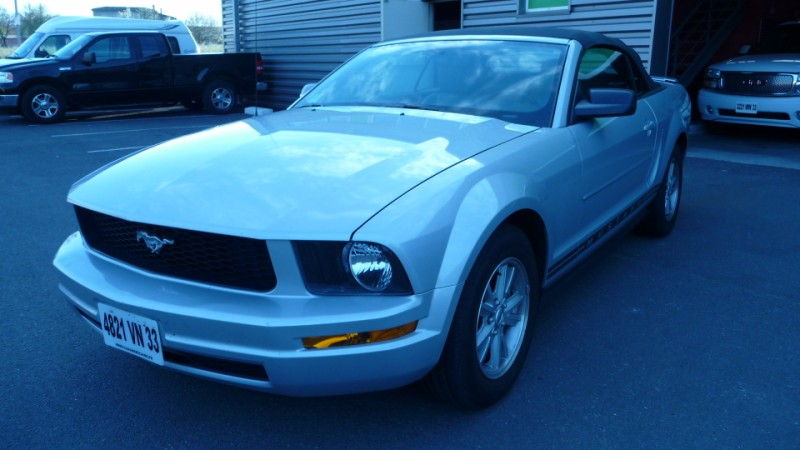 FORD MUSTANG CABRIOLET 4L